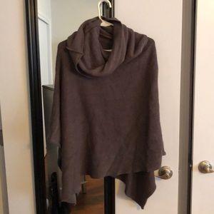 Jackets & Blazers - Sweater cape.